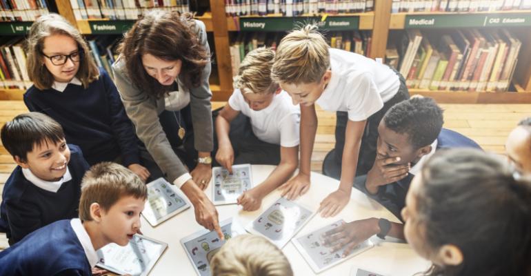Uso correto de plataformas digitais é disciplina em escolas. Saiba mais