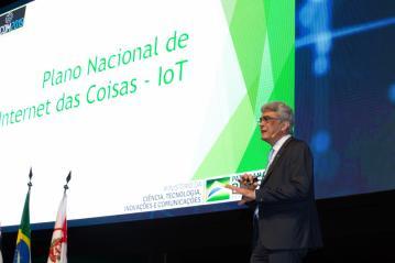 Julio Semeghini do MCTIC durante futurecom 2019.jpg